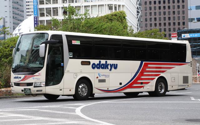 小田急箱根高速バス1301.1.jpg